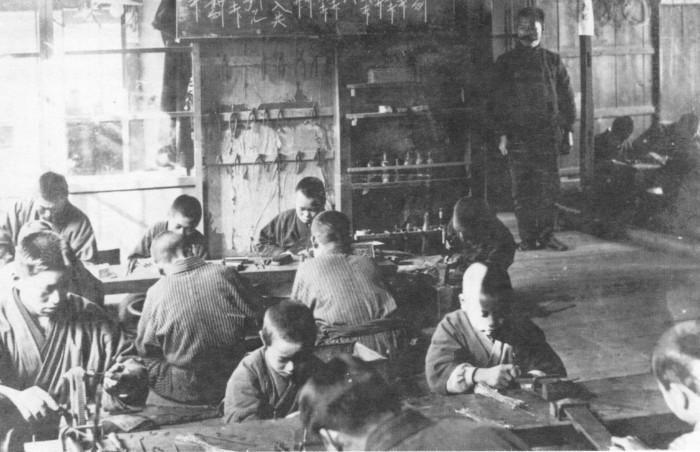 大正時代の工場1